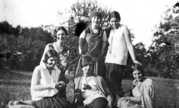 Educatia femeilor in provinciile locuite de romani si in Romania intre anii 1880 si 1930. Studiu de caz: Universitatea din Bucuresti