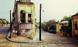 """<i>Biografii paralele</i>. Andrei Pippidi despre volumul """"Chipurile orasului. Istorii de viata in Bucuresti"""""""