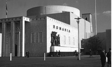 O vizita la pavilionul Romaniei de la Expozitia Internationala din New York